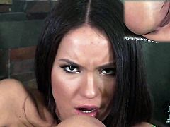 Nataly Gold kills time rubbing her wet hole