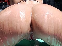 Voluptuous slut has her tight butthole rammed really hard