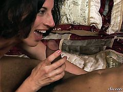 Glamorous tart Dick James enjoys the warmth of mans hard cock deep in her love hole