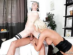 Vanessa Hell gives deep throat job to horny bang buddy
