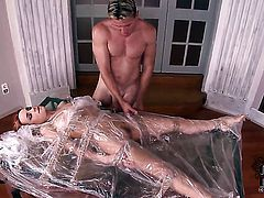 Senorita with trimmed beaver is good on her way to satisfy her fuck buddy with her sweet mouth