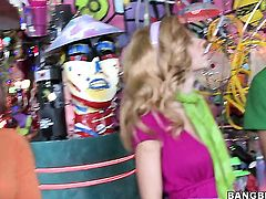 Blonde latin Kelly Welch with round butt takes dream cumshot on her face
