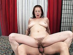 With big boobs does her best to make man ejaculate in with hands