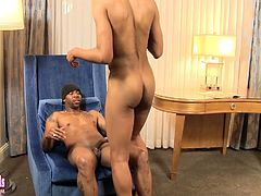 Black dude bangs an ebony tranny up the ass in his hotel
