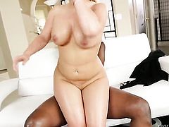 Lexington Steele takes dudes cum loaded sausage in her hot mouth