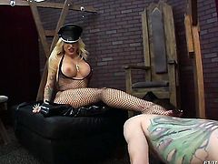 Blonde gets down and dirty in cum flying action