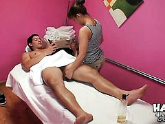 Brunette slut Nikko Jordan cant get enough and takes guys sturdy pole in her mouth again