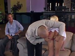 Cuckold Reality vid As the person Watches His housewife make love