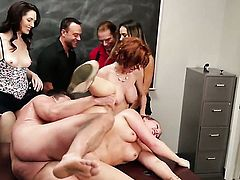 Veronica Avluv sucks like a first rate hoe in steamy oral action with horny guy
