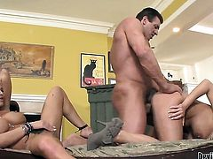 Britney Amber does oral job for hard cocked fuck buddy to enjoy