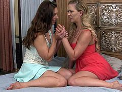 Mindy catches her girlfriend with another woman, and she's naked! Feeling hurt, she sees Cherie and asks, if she can talk to her for a while. The tears turn to smiles, the pain turns to pleasure and another connection is made.