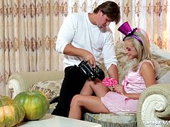 "Blonde teen Vinna Red gets nailed in Private Gold's ""Trick or Treat"". This seasonal slam fest starts with Vinna Red stripping down, revealing her firm ass. Once her pussy is wet from a thumb fucking, she opens up her mouth and gives her man a sloppy POV blowjob."