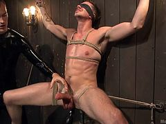 Jack is a vegetable fucking slave and his master love to humiliate him, while he is tied up. Completely bound and with no control, the slave is brought to the edge. He is about to cum, as he is jerked, sucked and has his taint and prostate played with.