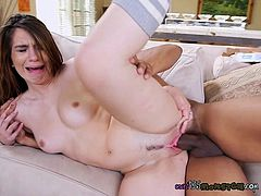 Young Whore Joseline Kelly Gets Her Cunt Ruined By Huge Cock