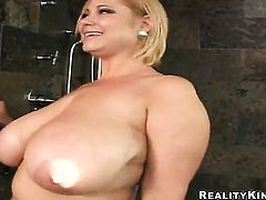 Blonde Samantha 38g with phat ass is ready to suck guys worm all night long