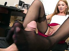 Gorgeous seductress Lindsey Olsen is a slut who knows what to do with guys erection