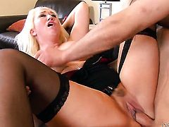Blonde Alana Evans gets throat pounded the way she loves it