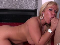 Curvy Austin Taylor takes him in her soaking wet milf pussy