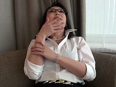 Nerdy Japanese lady puts two stiff peckers inside her lusty mouth