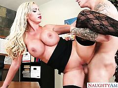 Blonde exotic Nikki Benz gets her beaver attacked by hard meat pole