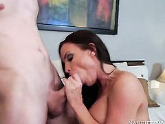 Brunette Diamond Foxxx with juicy booty getting satisfaction with hot guy