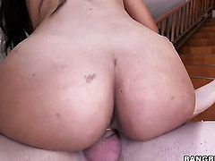 Brunette Sofia with big ass holds her mouth wide open while taking cumshot
