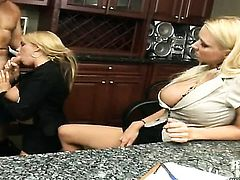Blonde Eva Patron with bubbly butt and clean bush has some time to give some oral pleasure