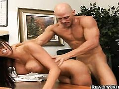Brunette Rachel Starr feels good with pulsating man meat in her hands