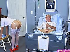 Dark Brown Nurse sucks a patient massive knob and receive fuck up inside