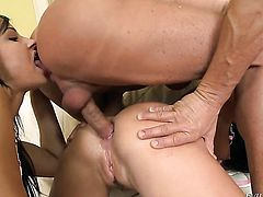 Bettina DiCapri loves giving suck job