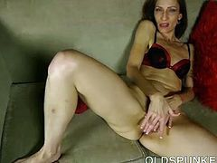 Sexy old spunker talks dirty and frigs her juicy pussy 4 u - 1 part 2