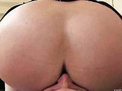 Blonde Alura Jenson with massive boobs is on the edge of nirvana with cock juice in her mouth