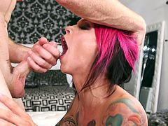 Extravagnat emo bitch Anna Bell Peaks gives her head and pleases dick with good oral sex