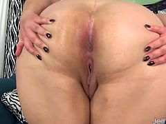 Sexy and chubby BBW takes off her clothes and exhibits every inch of her naked body Then she masturbates till she pulses with orgasm