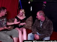 Reality movie showing an amateur guy meeting a Dutch hooker for sex