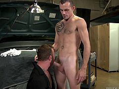 When no one is watching, sex is the best way to kill time and frankly, nothing expresses love better than sex. Jimmy Slater and Derek Parker knew this fact and to prove their love and affection towards each other, they agreed for bareback anal in their vehicle garage itself.