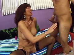 Mature chick called Desi Fox and the balls-deep pounding she wanted