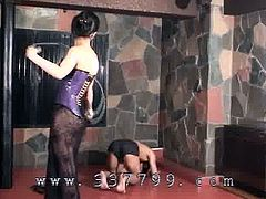 Japanese mistress K hit slaves with a whip