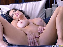 Sexy Veronica Avluv is in love with the guy's fat boner!