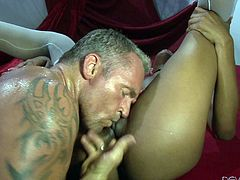Tattooed white guy with big muscles gives Nadia a hard banging