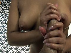 Loni's massaging skills are uncompromising and she will do everything, to satisfy clients. After the massage, Anthony requested her to give handjob and she obliged. Without any hesitation, he asked her to become naked and groped her boobs, while she was offering handjob. Sensual yet erotic!!!