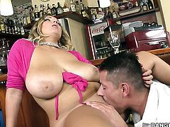 Blonde is about to get orgasm after taking mans erect dick deep in her muff pie