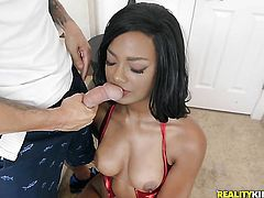Chocolate Tyler Steel wants this blowjob session with horny guy to last forever