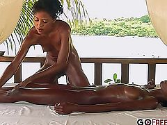 Valerie Lynn Mauritian Tropical Massage