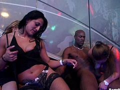 Drunk chicks getting the nightclub penetration of their wild dreams