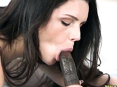 Piercings gets down on her knees to be throat fucked