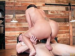Brunette Ava Addams with juicy jugs fucking like a first rate hoe in hardcore action with Bill Bailey