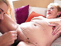 Mature gets her honeypot fucked by hot man for your viewing entertainment