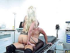 Keiran Lee uses his erect worm to make blowjob addict Blonde Brooke Brand happy