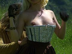 Dreamy grassland is a fine place for Carmen Luvana to get nailed at